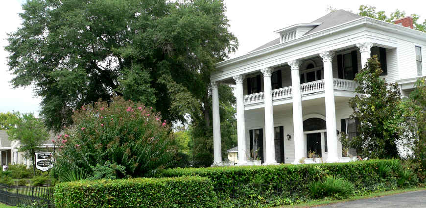 A plantation home in Tuskegee