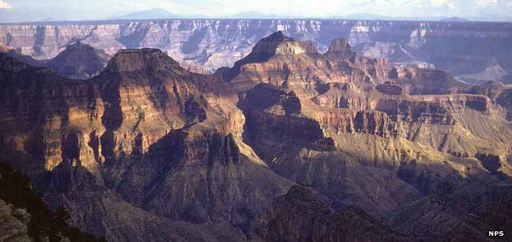 A view across the Grand Canyon from the South Rim