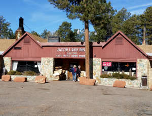 The Jacob Lake Inn at the turnoff to the North Rim of the Grand Canyon