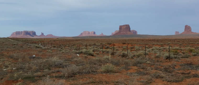 A view along the Kayenta-Monument Valley Scenic Road
