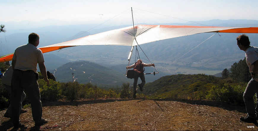Hang gliding in Cleveland National Forest