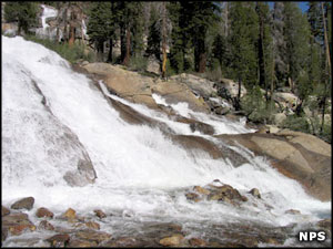 Minaret Falls, just outside Devils Postpile National Monument