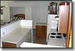 Dodgeton Creek Inn kitchenette