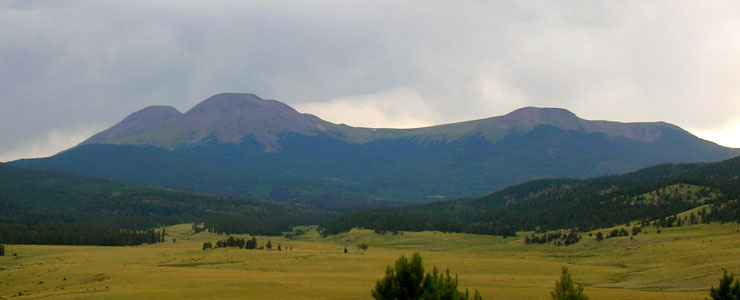 The Buffalo Peaks from the south