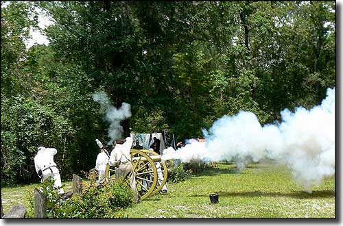 Natural Bridge Battlefield re-enactment