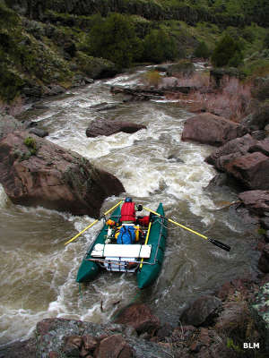 A rafter navigating through some rapids on the Jarbidge River
