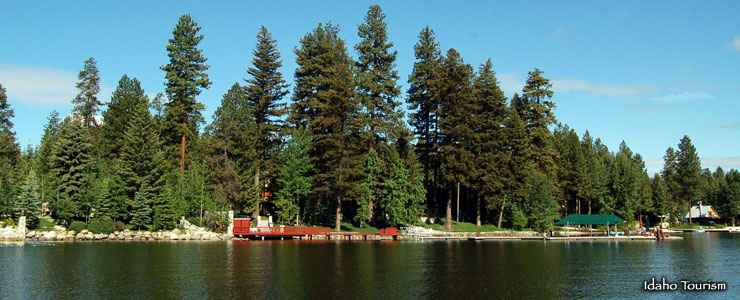 Lakeside campground at Ponderosa State Park