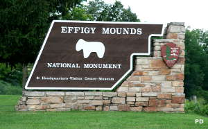 Entry sign at Effigy Mounds National Monument