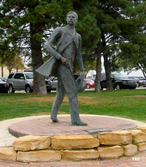 Statue of a lawman in Dodge City