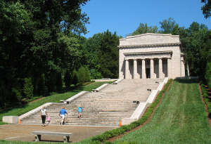 A view of the Memorial Building at Abraham Lincoln Birthplace National Historical Park