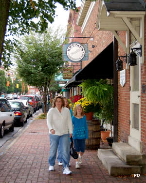 Shoppers in the historic area of Bardstown