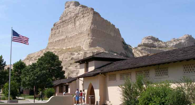 The Visitor Center and Oregon Trail Museum at Scotts Bluff National Monument