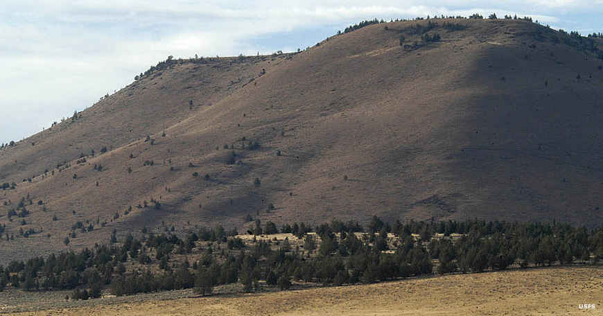 Hills on Crooked River National Grassland