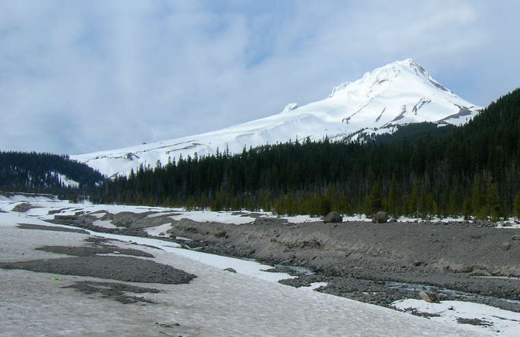 In the southern part of Mount Hood National Forest