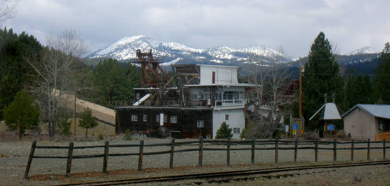 The gold dredge in Sumpter