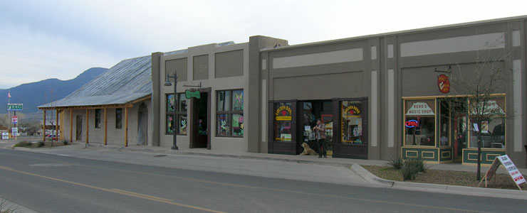 More retail shops in downtown Camp Verde