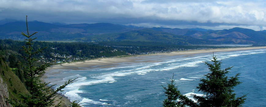 View from an overlook along the Pacific Coast Scenic Byway in Oregon