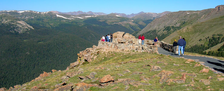 An overlook near the top of Trail Ridge Road