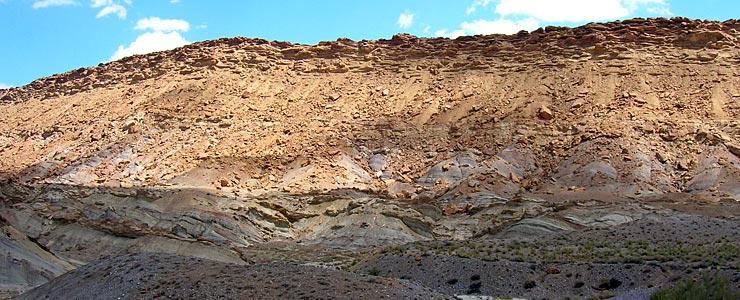 The San Juan Hogback, between Farmington and Shiprock