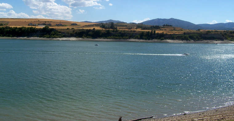 Boating at Hyrum State Park