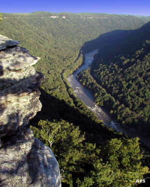 The view from Diamond Point, along the New River Gorge National River