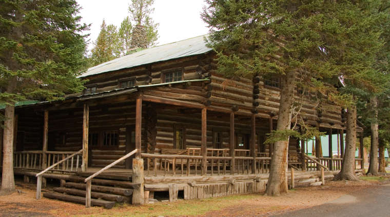 Pahaska Teepee, a hunting lodge built by Buffalo Bill near the east entrance to Yellowstone National Park