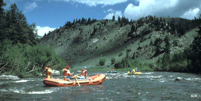 Whitewater rafting through Platte River Wilderness