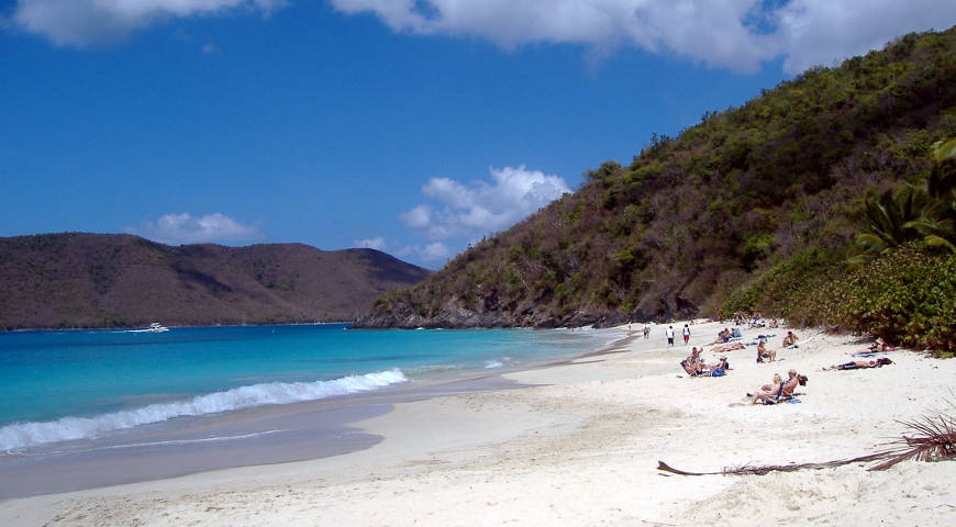 Virgin islands National Park: A view of Cinnamon Bay