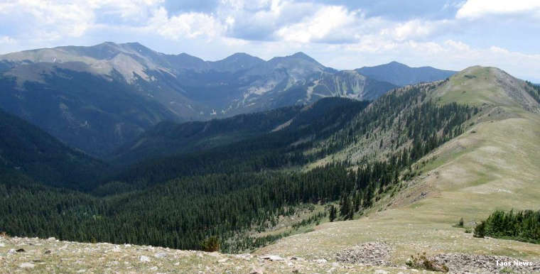 A view at the top in Columbine-Hondo Wilderness