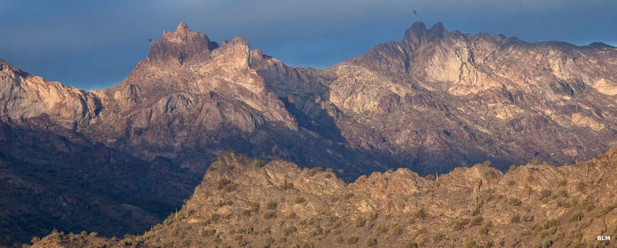 Sunrise on the backbone of the Eagletail Mountains
